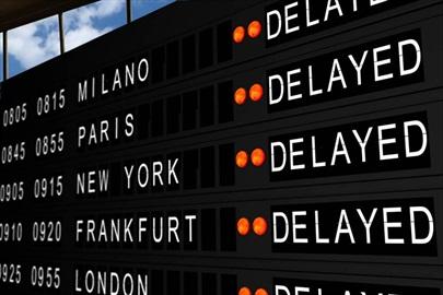 Definito il criterio di riparto dell'onere di prova in caso di ritardo aereo.